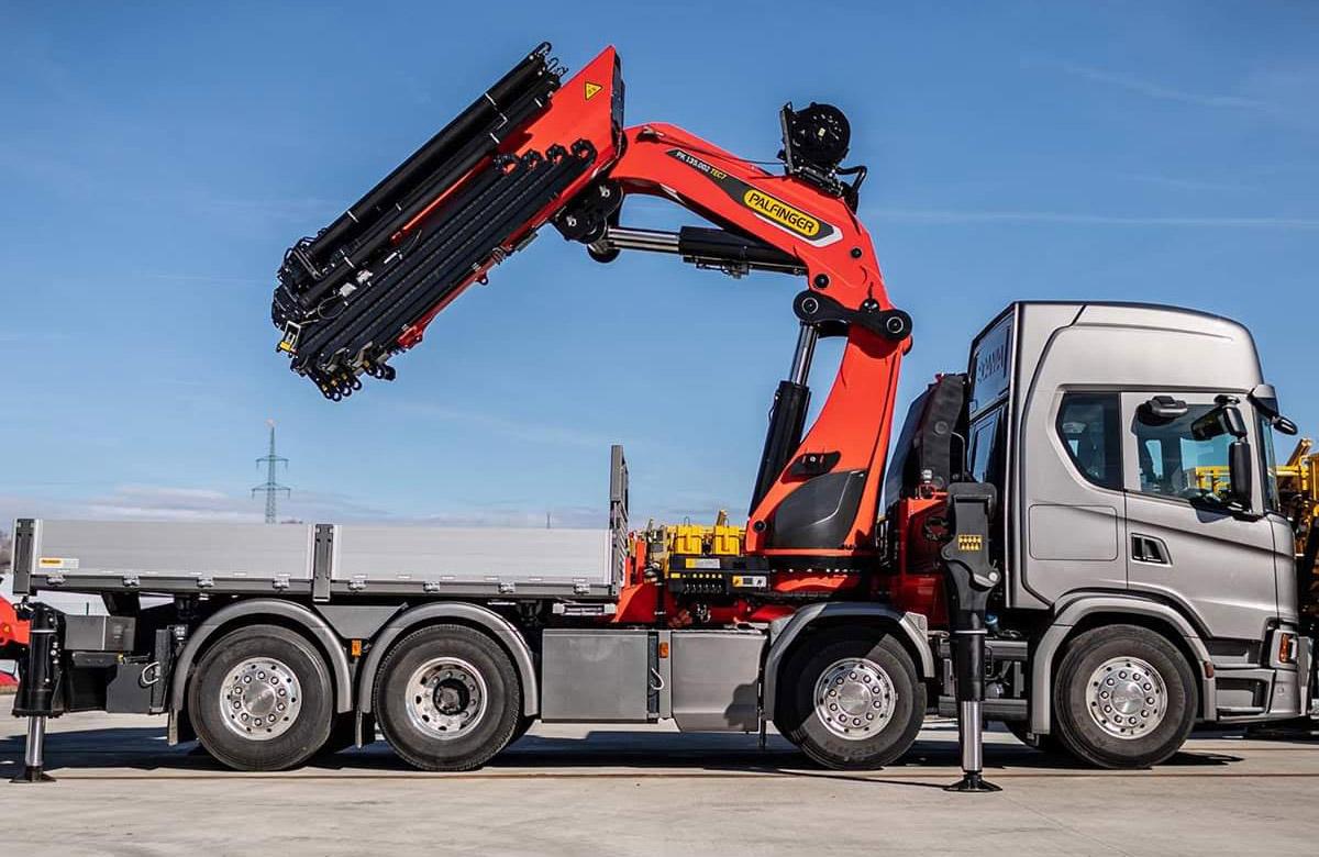Truck crane and semi truck crane